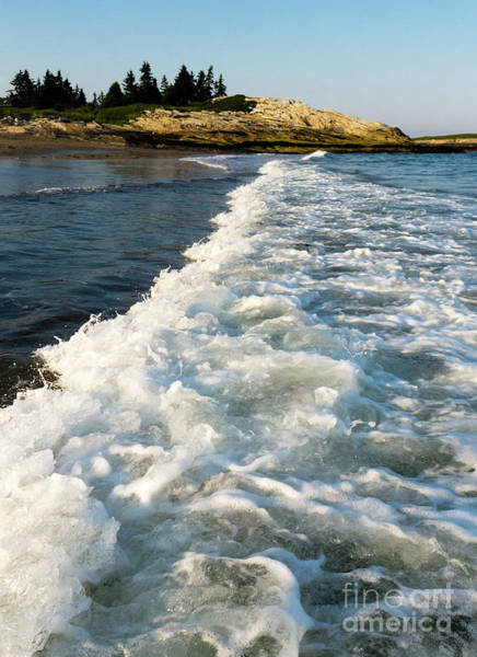 Photograph - Breaking Wave, Reid State Park, Georgetown, Maine  -80486 by John Bald