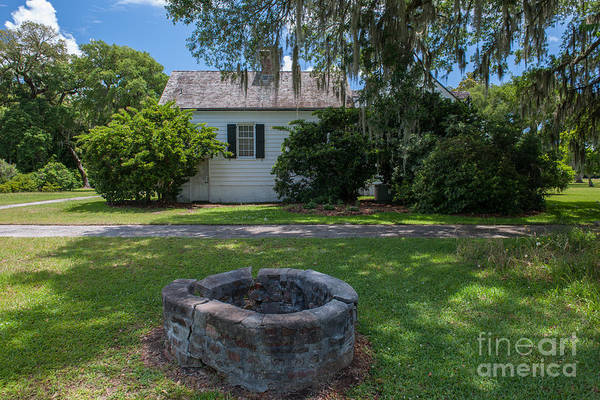 Photograph - Brick Water Well by Dale Powell
