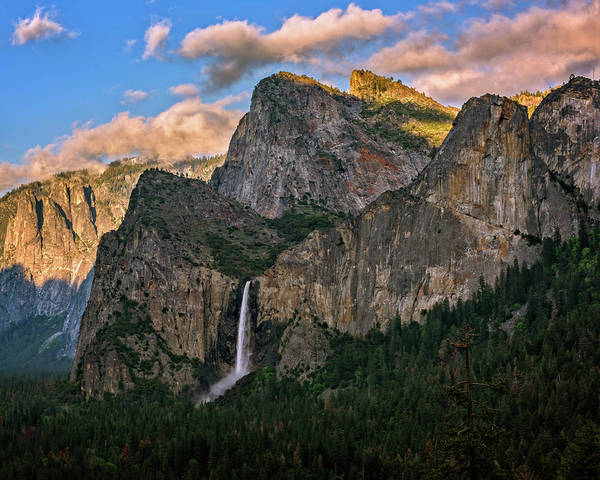 Photograph - Bridalveil Falls From Tunnel View by John Hight