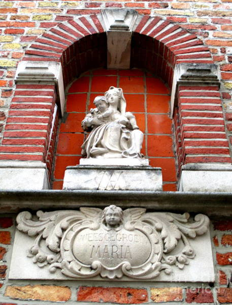 In Bruges Photograph - Bruges Niche 1 by Randall Weidner