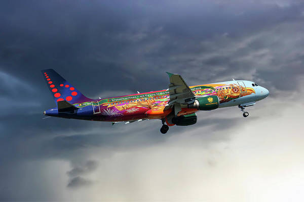Airlines Photograph - Brussels Airlines Airbus A320-214 by Smart Aviation