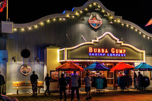 Photograph - Bubba Gump Shrimp Company by Gene Parks