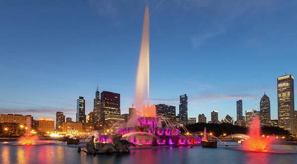 Photograph - Buckingham Fountain At Dusk II by David Hart