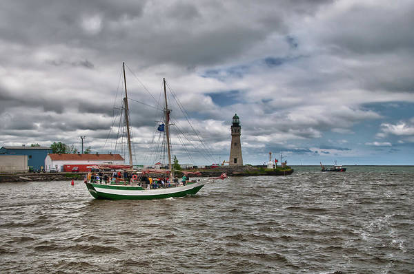 Photograph - Buffalo Lighthouse And Spirit Of Buffalo by Guy Whiteley