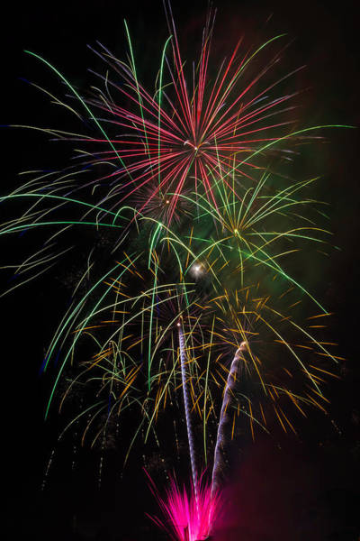 Dazzle Wall Art - Photograph - Bursting Fireworks by Garry Gay
