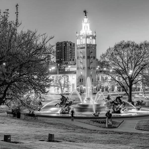 Country Club Plaza Photograph - Bw Kansas City Plaza And J.c. Nichols Memorial Fountain - Kansas City by Gregory Ballos