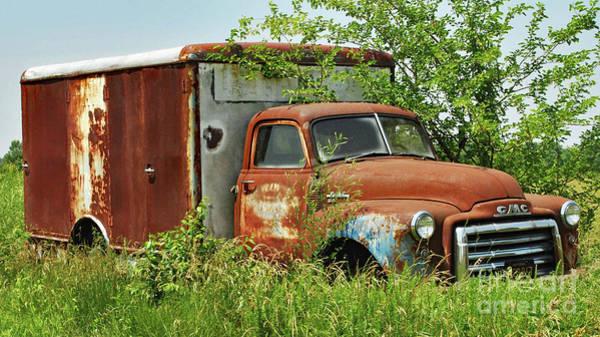 Clunker Wall Art - Photograph - Bygone Box Truck by Pam Schmitt