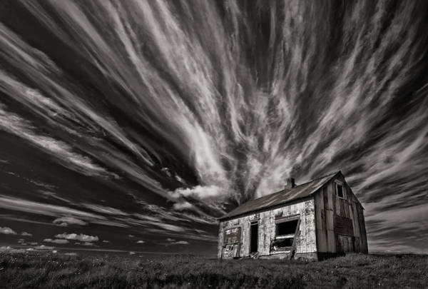 Cabin Photograph - Cabin (mono) by Thorsteinn H. Ingibergsson