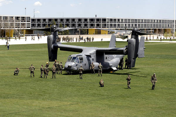 Mv-22 Photograph - Cadets And Active-duty Troops Swarm by Stocktrek Images