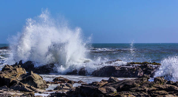 Wave Crashing On California Coast Art Print