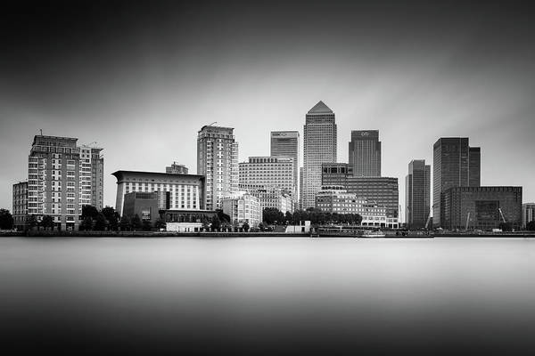 Songbird Photograph - Canary Wharf, London by Ivo Kerssemakers