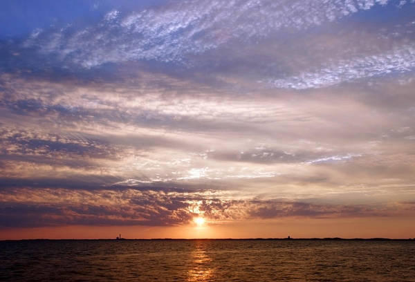 Photograph - Cape Cod Bay And Sky by Frank Winters