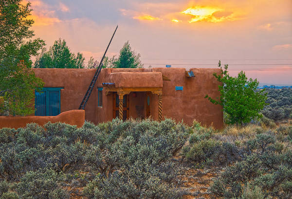 Photograph - Casita In Taos At Sunset by Charles Muhle