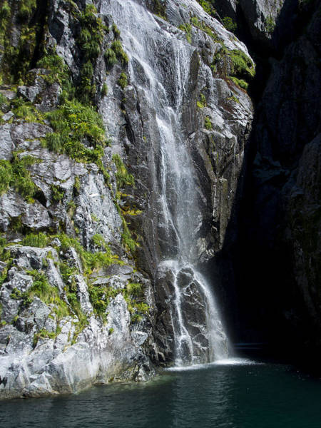 Photograph - Catarct Falls by Ian Johnson