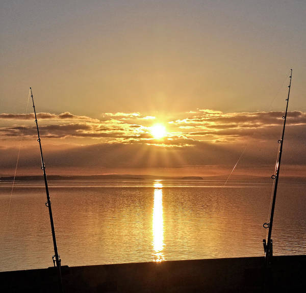 Bristol Channel Photograph - Catching ....the Sun by Alex Hardie