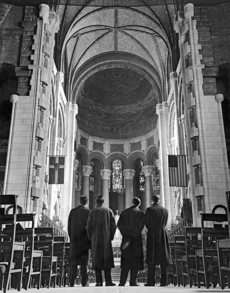 Wall Art - Photograph - Cathedral Of St. John In Nyc by Underwood Archives