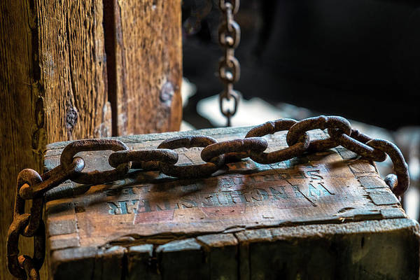 Photograph - Chain And Box by Tom Singleton