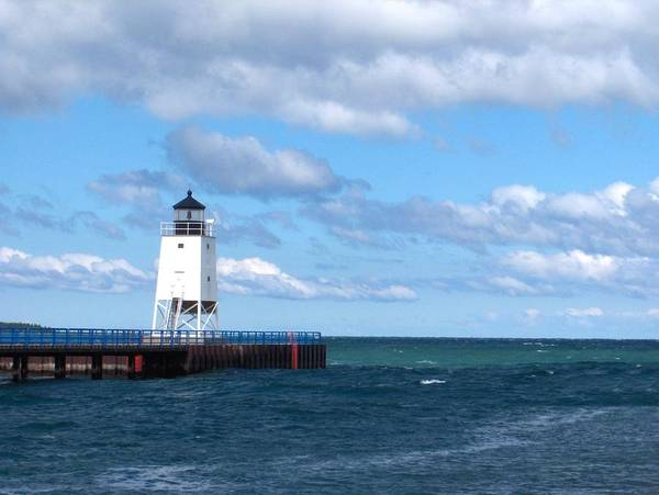 Charlevoix Photograph - Charlevoix Lighthouse by Kat Wauters
