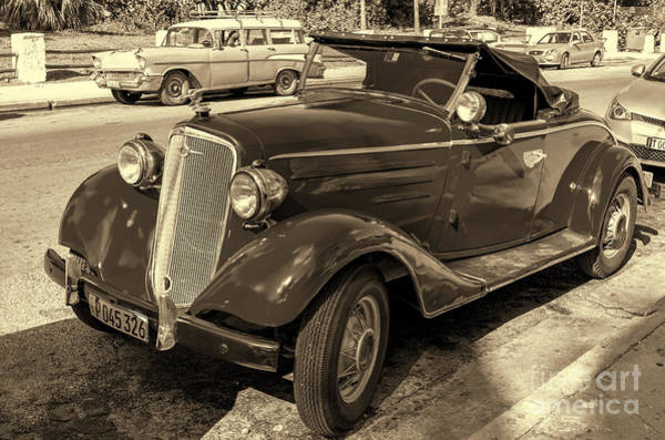 Photograph - Chevrolet Nineteen Thirty Four by Les Palenik