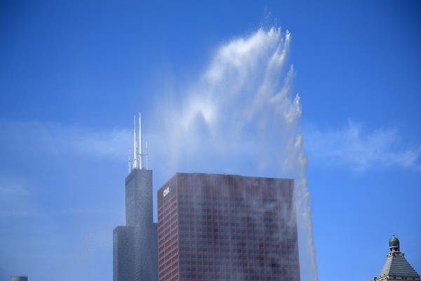 Photograph - Chicago - Buckingham Fountain by Frank Romeo
