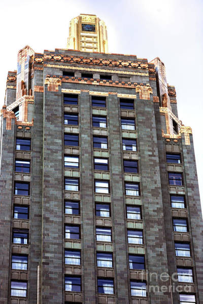Photograph - Chicago Carbide And Carbon Building by John Rizzuto