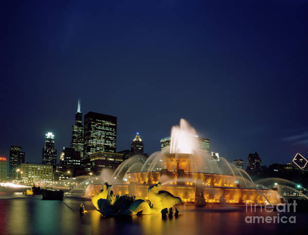 Photograph - Buckingham Fountain, Chicago by Granger