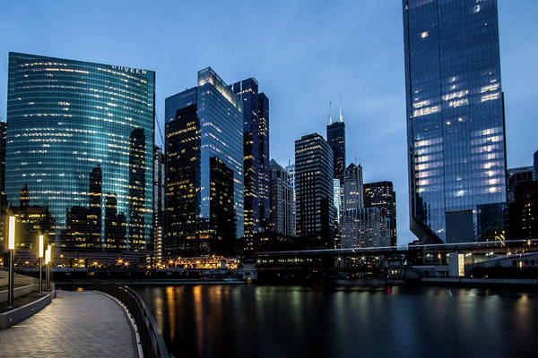 Photograph - Chicago River Scene At Dusk  by Sven Brogren