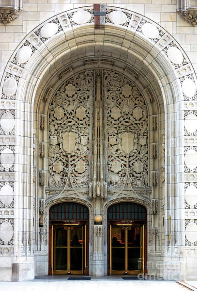 Photograph - Chicago Tribune Tower Entrance by John Rizzuto