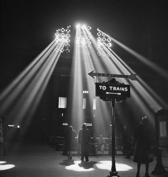 Station To Station Photograph - Chicago Union Train Station - 1943 by Daniel Hagerman