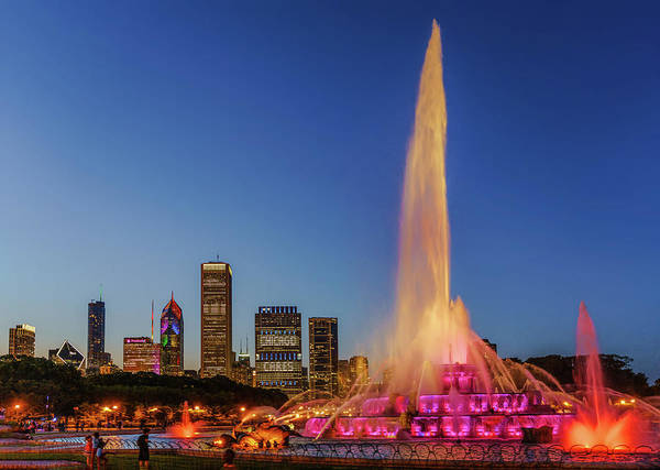 Photograph - #chicagocares - Buckingham Fountain Rainbows by Scott Campbell