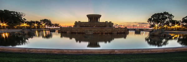 Photograph - Chicago's Buckingham Fountain At Dawn  by Sven Brogren