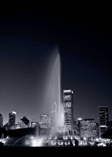 Black Buck Photograph - Chicagos Buckingham Fountain Bl And W Portrait by Steve Gadomski