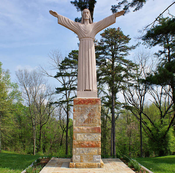 Photograph - Christ Of The Ohio by Sandy Keeton