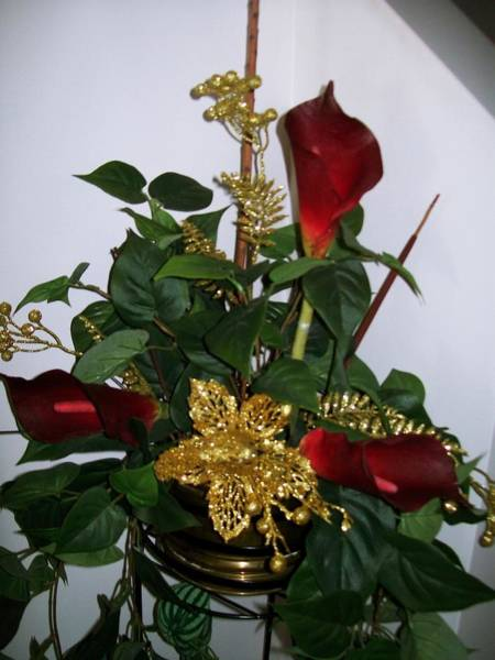 Photograph - Christmas Arrangemant by Sharon Duguay