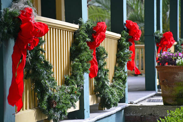 Photograph - Christmas At Goodyear Cottage On Jekyll Island by Bruce Gourley
