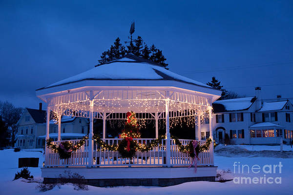 Sullivan County Photograph - Christmas Bandstand by Susan Cole Kelly