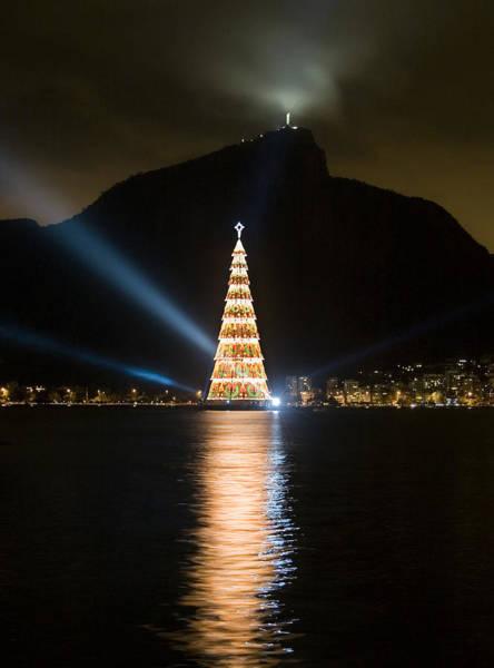 Redeemer Wall Art - Photograph - Christmas In Rio by Sergio Bondioni