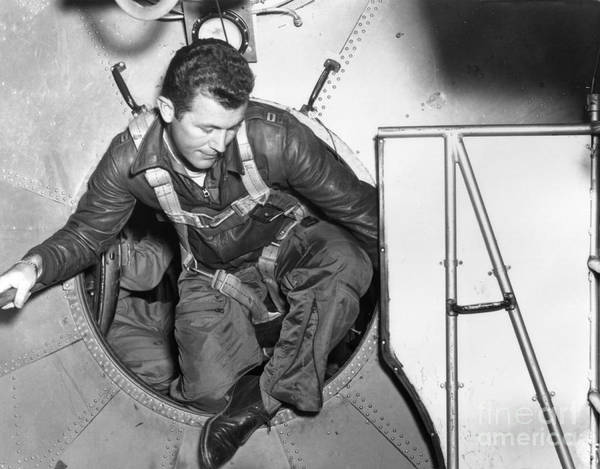 Photograph - Chuck Yeager Boarding Bell X-1, 1947 by Science Source