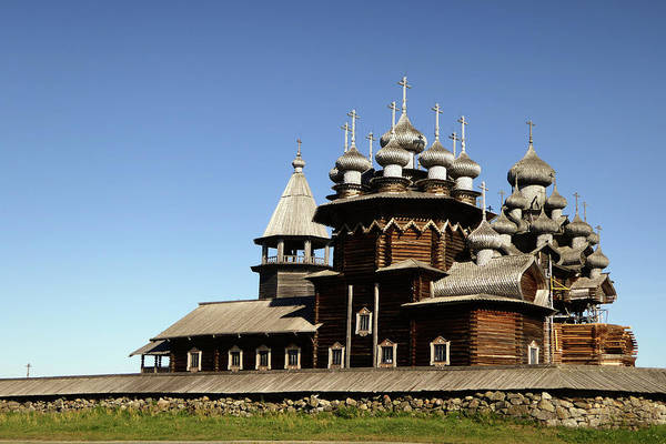 Cathedral Of Christ The Savior Photograph - Church Of The Transfiguration Kizhi Russia by Linda Dunn