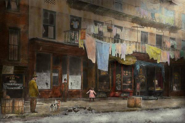 Dirty Laundry Photograph - City - Ny - Elegant Apartments - 1912 by Mike Savad