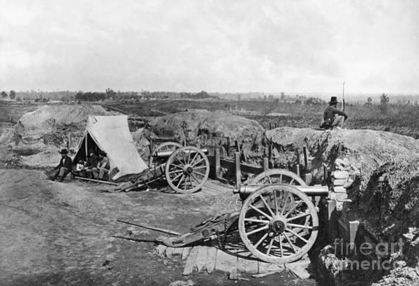 Wall Art - Photograph - Civil War: Fortifications by Granger