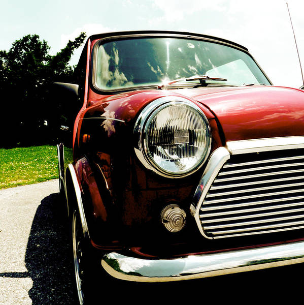 Photograph - Classic Mini Summer by Richard Reeve
