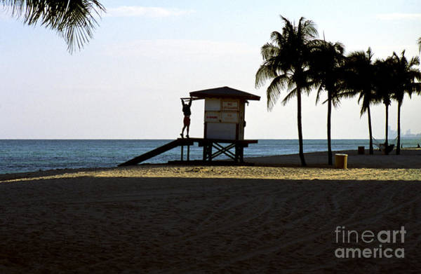 Photograph - Closing Time On Hollywood Beach In Florida by William Kuta