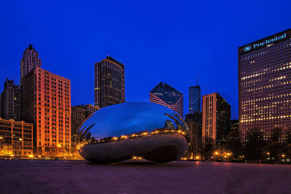 Chicago Skyline Art Photograph - Cloud Gate At Twilight by Andrew Soundarajan