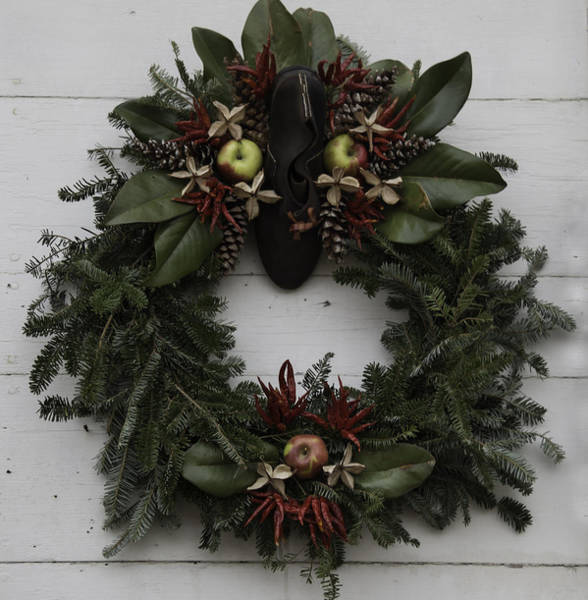 Royal Colony Photograph - Cobblers Wreath by Teresa Mucha