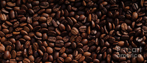 Wall Art - Photograph - Coffee Beans Mug by Edward Fielding