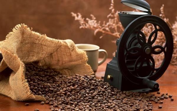 Food And Beverage Digital Art - Coffee by Maye Loeser