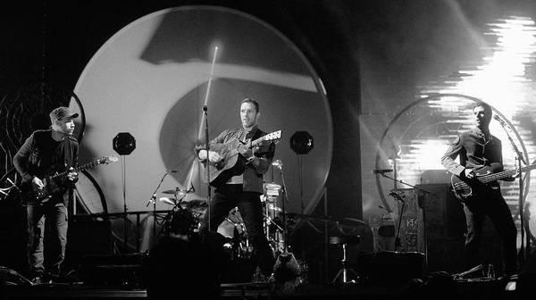 Coldplay Photograph - Coldplay12 by Rafa Rivas