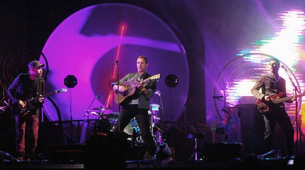 Coldplay Photograph - Coldplay5 by Rafa Rivas
