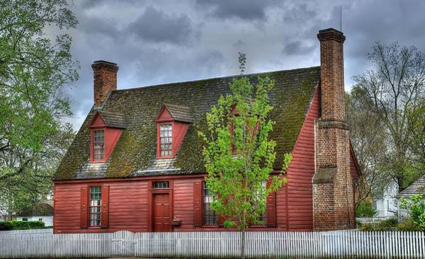 Colonial Williamsburg Photograph - Colonial Williamsburg House 3 by Todd Hostetter